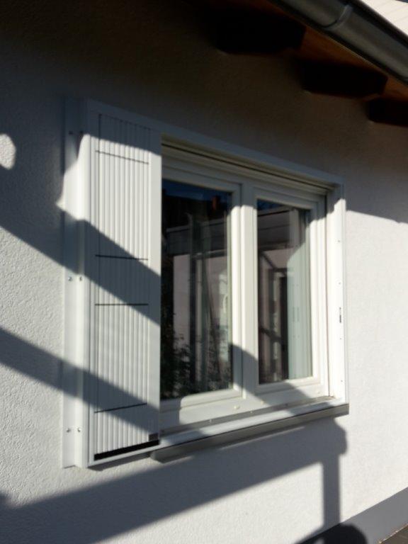 fenster seitlich geschlossen in ormesheim werner knoll. Black Bedroom Furniture Sets. Home Design Ideas