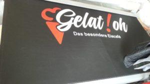 Markise mit Firmenaufdruck in Homburg