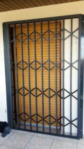 Scherengitter geschlossen in Kirkel