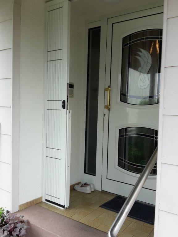 scherengitter mit beweglicher schwelle unten saarbr cken. Black Bedroom Furniture Sets. Home Design Ideas