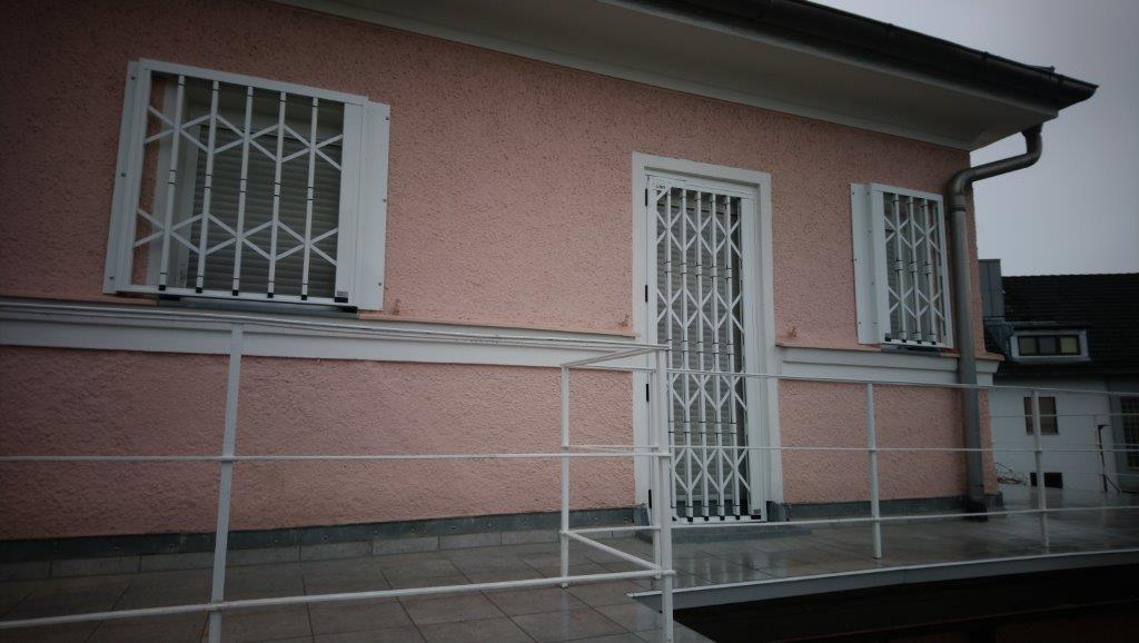 dsc 0412 werner knoll gmbh l rolladen fenster l st ingbert hassel. Black Bedroom Furniture Sets. Home Design Ideas
